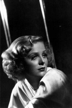Gloria-Stuart-1937.jpg