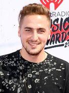 Kendall-schmidt-iheartradio-music-awards-2016-01