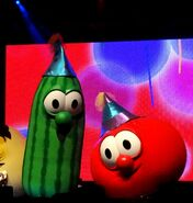 Happy-Birthday-Bob-and-Larry-Veggie-Tales-LIVE-with-Energizer-Bunnies-Mommy-Reports-14-687x723