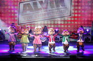 The Chipmunks and Chipettes on stage!