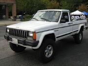 Jeep Comanche Pioneer white MD l.jpg