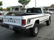 Jeep Comanche Pioneer white MD r.jpg