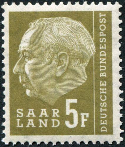Saar 1957 President Theodor Heuss (with F) c.jpg