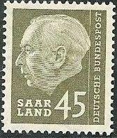 Saar 1957 President Theodor Heuss m.jpg