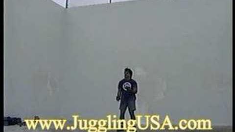 Bruce_Sarafian_8,9,10,11_&_12_Ball_juggling