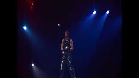 Tony_Garcia_Bouncing_Ball_Juggling