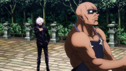 Satoru Gojo gets behind Juzo (Anime)