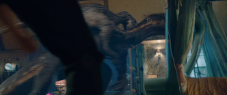 Combat Blue vs Indoraptor 1
