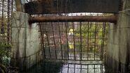 Isla Sorna Aviary fence river