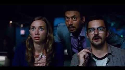 """Jurassic World Extrait 2 """"Owen échappe à L'Indominus Rex """" VF Au cinéma le 10 Juin"""