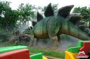 Stegosaurus-on-the-jurassic-park-ride-big