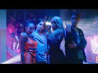 Bilal Hassani - Flash (Just Dance Version) (Official Music Video) - Avec Jules, Sulivan et Paola