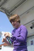 Justin Bieber singing at Family Frenzy 2009