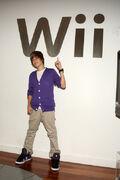 Justin Bieber visits Nintendo World Store, September 2009