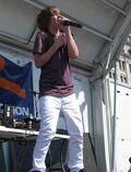 Justin singing at '09 Family Frenzy