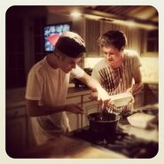Justin cooks with Niall Horan