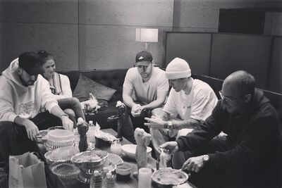 Justin Bieber with his crew 2019.jpg