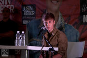 Justin Bieber press conference Mexico