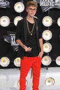 Justin Bieber red carpet 03
