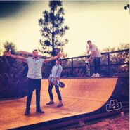 Justin Bieber skating with friends