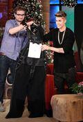 Justin Bieber receives overalls