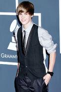 Justin Bieber 2010 Grammy awards backstage