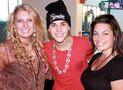 Z100 web ladies backstage with Justin Bieber