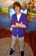 Justin Bieber at Nintendo World Store 2009
