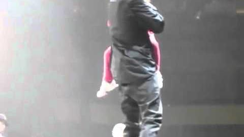 Justin Bieber brings his little Sister Jazmyn on Stage in Winnipeg
