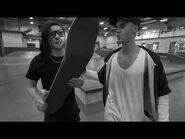 Justin Bieber & Skrillex skateboarding