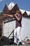 Justin singing at 2009 Family Frenzy