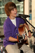 Justin performing at the Nintendo World Store in NYC, September 2009