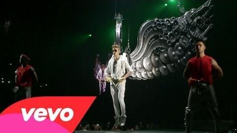 Justin_Bieber_-_All_Around_The_World_(Official)._Ludacris