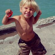 Jaxon Bieber shirtless