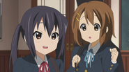 Azusa and the disguised Ui
