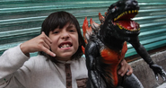 Mexican boy get Godzilla 1998 (Zilla)
