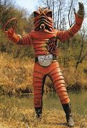 Kr-vi-earthwormman