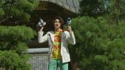 Go gives Shinnosuke Mach Driver and Shift Dead Heat.jpg