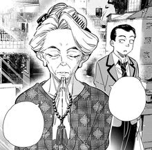 Kibe saw Nagomi prays at the grave.jpg