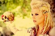 Keshas-BTS-Vid-900600