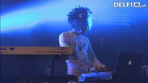 Kerli - Zero Gravity (Live at Monster Music Festival 2013)