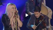 Kesha CMT Crossroads Your Love Is My Drug