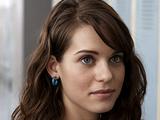 Katie Deauxma (Lyndsy Fonseca)