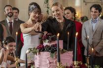 3x01-13 Villanelle Maria wedding cake