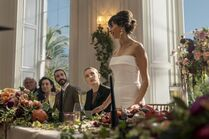 3x01-8 Villanelle Maria wedding