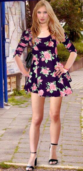 Sandra Ws Pain88 Skaterdress02.jpg