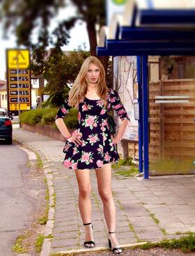 IMGP0361 Sandra Ws (User Pain88) im Floral Skater Dress.jpg