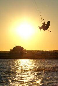 Ombre-coucher-soleil-sports-kitesurf-565633.jpg