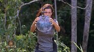 Koh-lanta-johor-emission-12-jessica-tente-de-casser-poterie-d-un-aventuriers-fb4a41-1@1x
