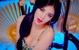 Hyuna-red-tropical